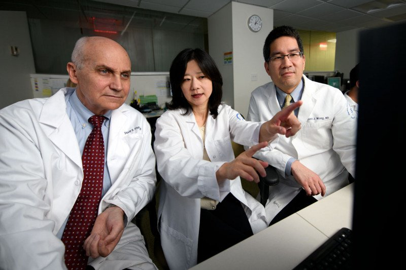 Head and neck cancer doctors David Pfister, Nancy Lee, and Richard Wong