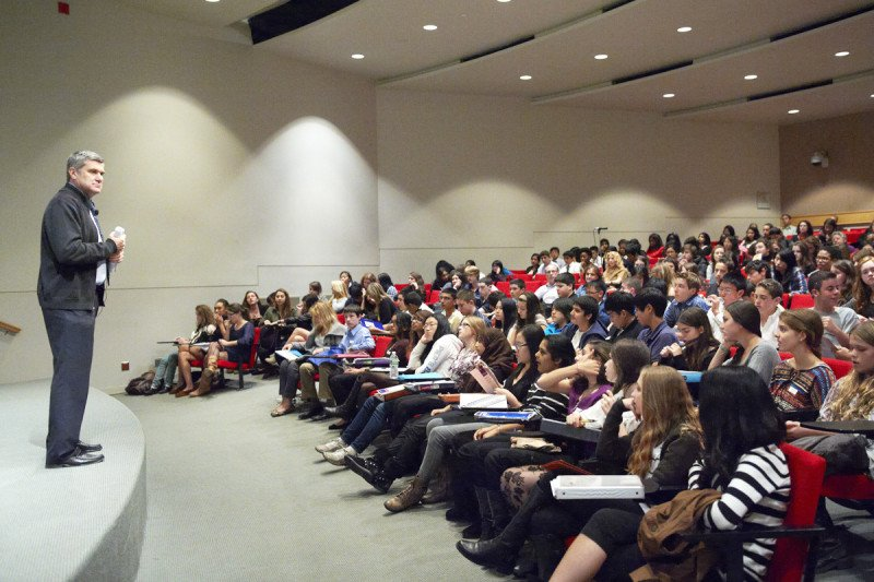 Pictured: Major Trends in Modern Cancer Research Seminar