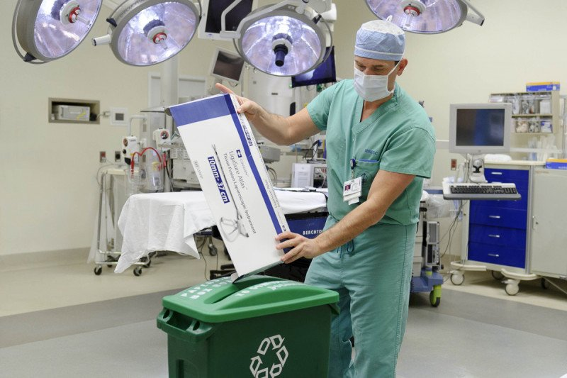 Nurses and other staff in operating rooms at Memorial Sloan Kettering now routinely recycle paper packaging.
