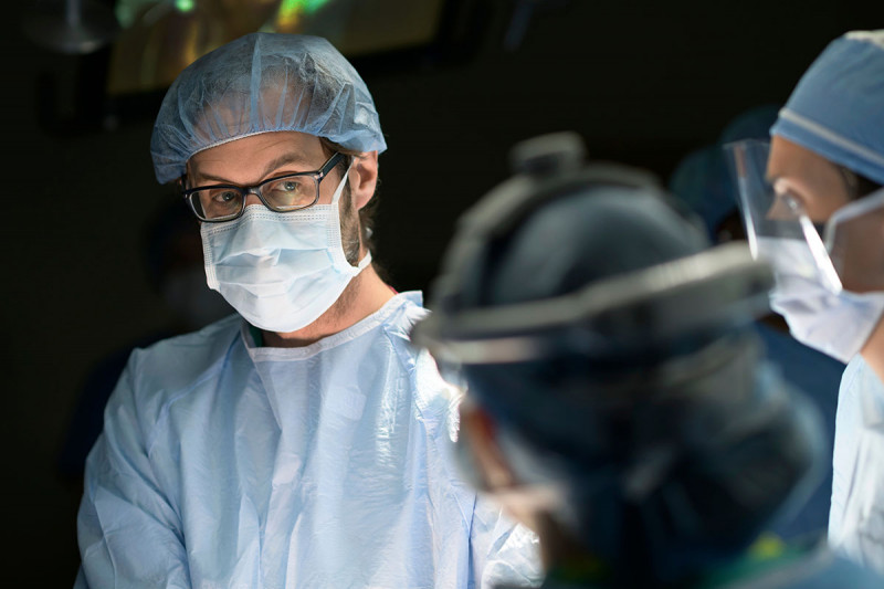 Memorial Sloan Kettering surgeon, Peter Kingham, working with colleagues during a procedure.
