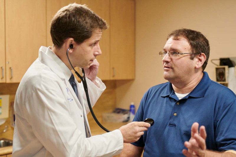 MSK soft tissue sarcoma expert Bill Tap examines a patient