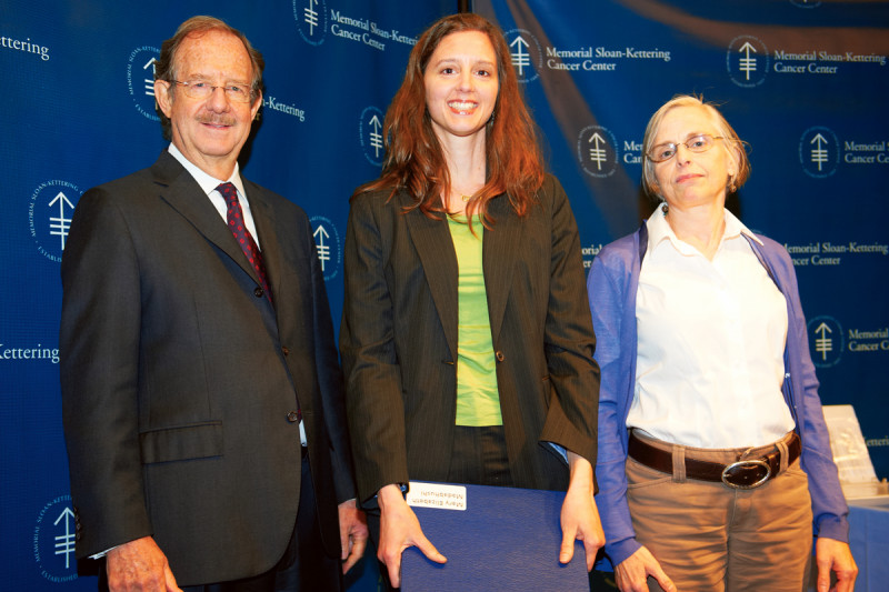PhD recipient Mary Elizabeth Madabhushi (middle) with Sloan Kettering Institute Director Thomas Kelly and her faculty mentor, developmental biologist Elizabeth Lacy.