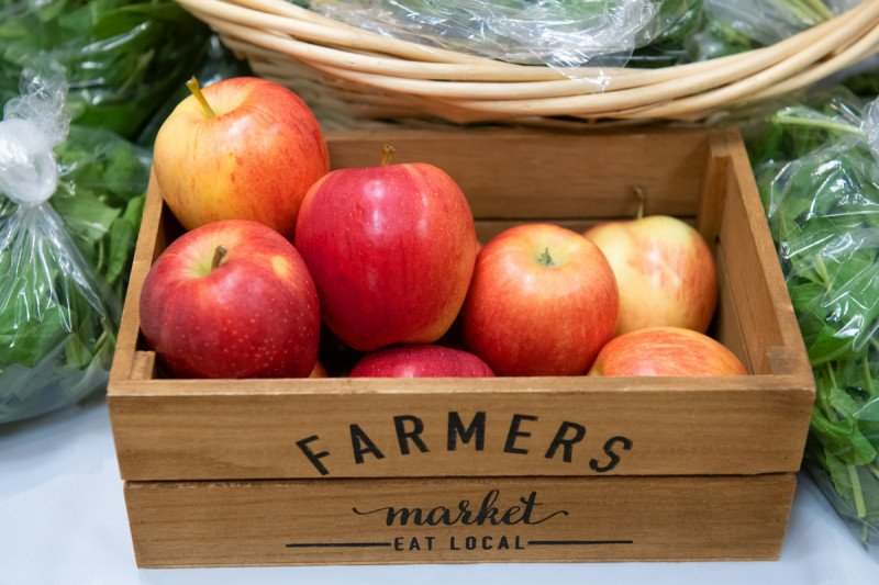 Apples in a wooden box